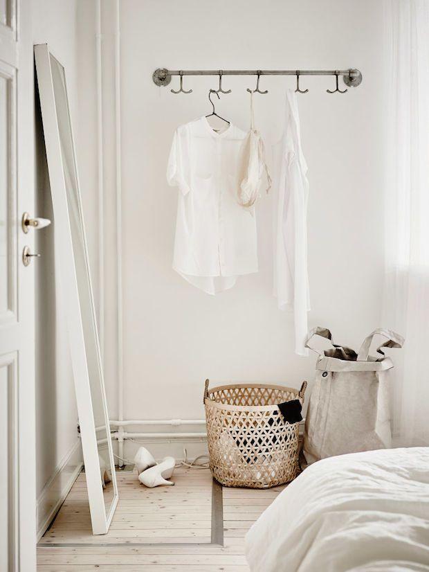 hanging clothing rail