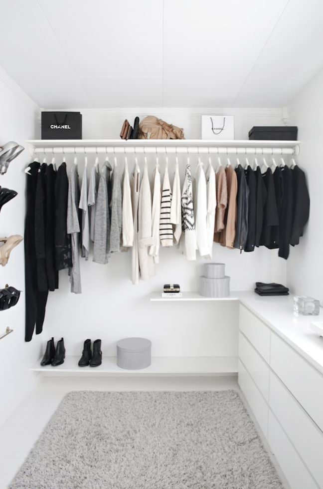 walkin minimal closet